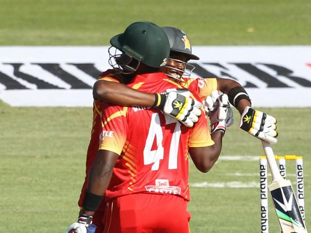 Elton Chigumbura earned a man of the match award for his 26-ball 54.