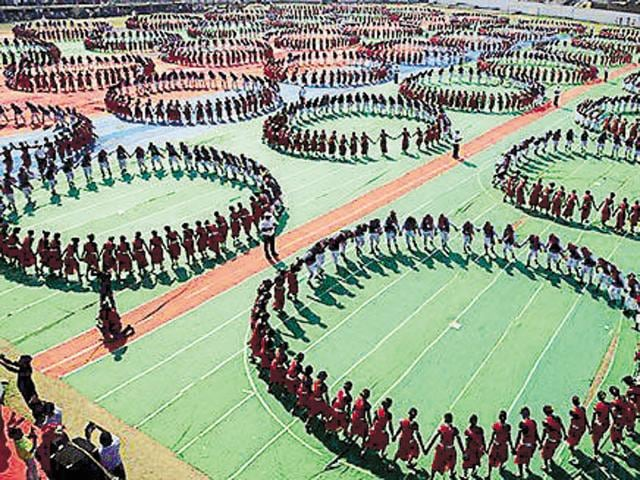 3,049 people took part in the largest Karma Naach dance held in April this year in Mandla.