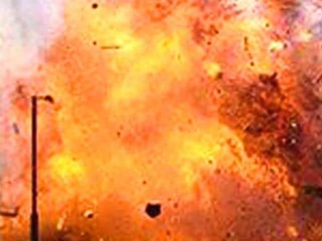 A bomb explosion outside the Sasaram civil court left a man dead and three others injured.