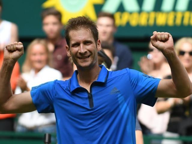 Florian Mayer,Halle title,Grass courts