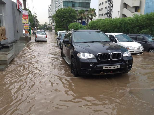 Inside the city, roads and bylanes in several localities were submerged due to choked drains. Areas like DLF Phases, Bristol Chowk, Golf Course road, Sector 15, Sikenderpur, Old railway and new road, Mahavir Chowk, among others, witnessed water logging.