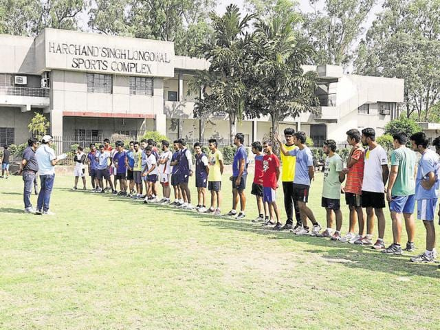 As St Stephen's College sought clarity from the Delhi University Sports Council (DUSC) on sports certificate marking, it came to light that Delhi University is unsure on whether or not to consider certificates of Subroto Cup (National), Indian Premiere League, International Badminton League and four other such games for admission under the quota.