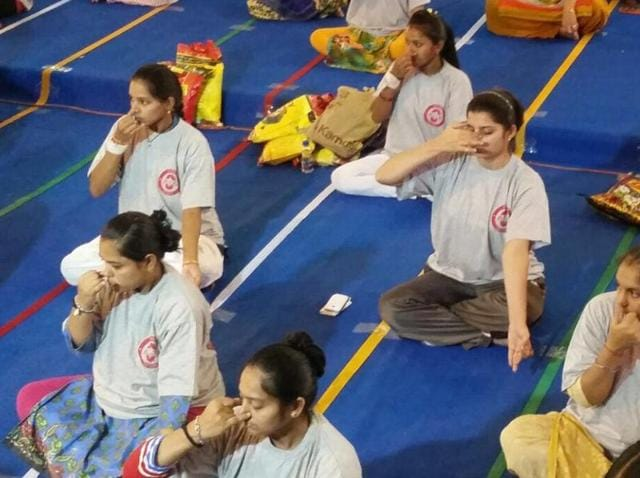 Over 1600 pregnant women performed yoga in Rajkot on June 21, 2016, creating a world record.