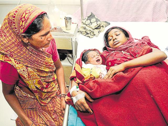 Noida: After a nearly 30-hour long standoff, the mother of a day-old baby finally accepted her child and began suckling her onTuesday evening.