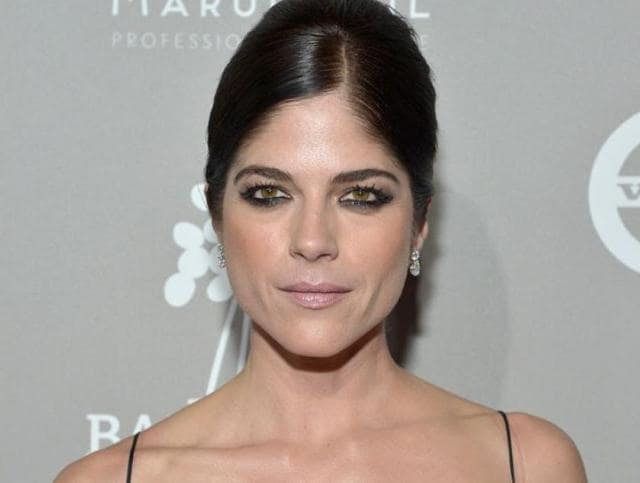Selma Blair lost her cool in the Delta flight raging about an unseen foe.