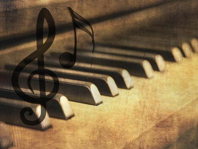 Listening to classical music maestros Wolfgang Mozart and Johann Strauss the younger for 25 minutes can  lower blood lipid concentrations and heart rate, finds a new study.