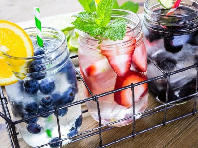 Flavoured water,Water with fruits,Water with spices