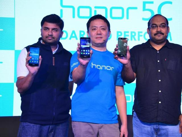 From right: P. Sanjeev, director sales (devices business), Huawei India; Allen Wang, consumer business group, Huawei India and Vignesh Ramakrishnana, director mobile at Flipkart laucnh the new Honor 5C priced at Rs 10,999.