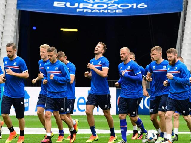 Iceland's national football team attends a training session on the eve of the Euro 2016 group F football match between Iceland and Austria, in Paris.