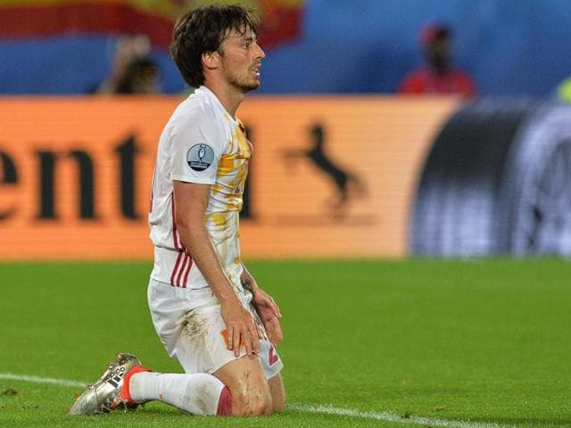 Spain's midfielder David Silva is pictured after his team is awarded a penalty during the Euro 2016 group D football match between Croatia and Spain at the Matmut Atlantique stadium in Bordeaux.