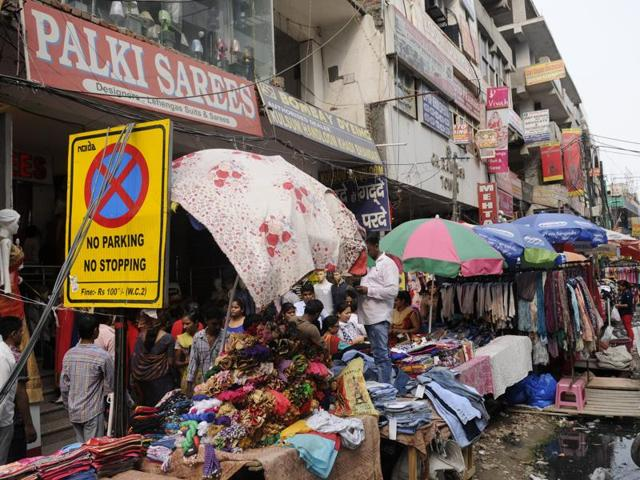 On Monday, shop owners under the banner of the  Bharatiya Udyog Vyapar Mandal gave a representation to the district magistrate, complaining that many are violating the weekly off  order.