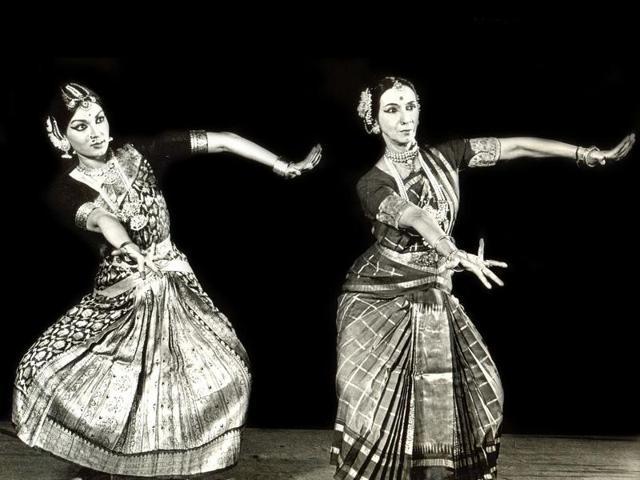 Mallika Sarabhai (left) performs with her mother Mrinalini