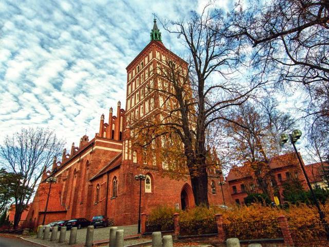 The Castle of the Warmian Chapter is an impressive Gothic castle that has been the flagship monument of Olsztyn for hundreds of years.