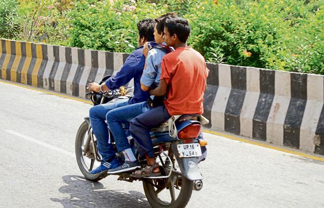 No helmet no petrol,road accidents,road accidents in Kerala