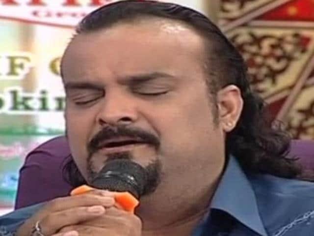 Pak singer Amjad Sabri during his last performance on SAMAA TV.