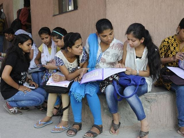 DU received a total of 1,24,940 applications from Delhi followed by UP with 50,246 and Haryana with 33,766.