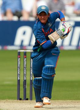 woman cricketer