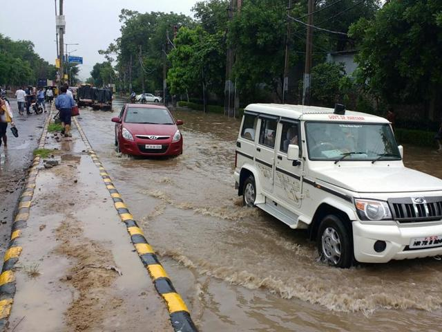 The meteorological department has predicted that the monsoon is likely to hit the city by June 28-29.
