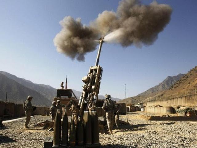M777 Ultra Lightweight Howitzer artillery guns