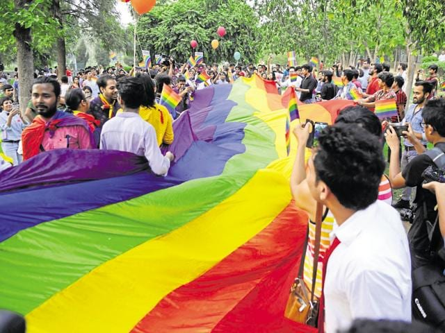 Expressing their disapproval about the oppression that LGBT people face everywhere in the world, as many as 200 supporters gathered at the first-ever Gurgaon pride parade.