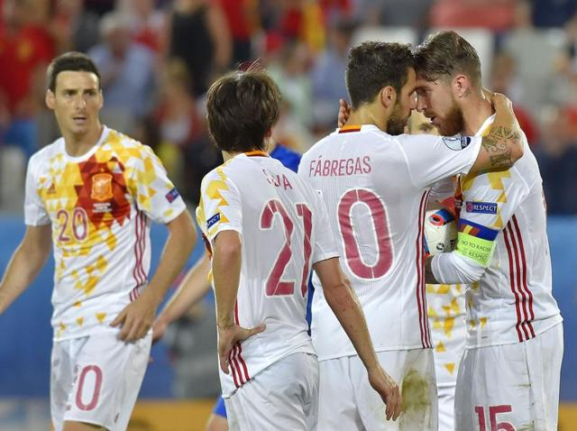 Spain's preparations for their round-of-16 clash against Italy were disrupted due to the anti-doping tests.