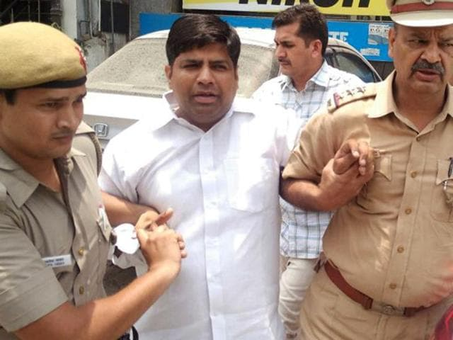 Mohaniya, an AAP MLA from Sangam Vihar in south Delhi, was arrested by Delhi Police when he was about to address a press conference at his residence.(HT Photo)
