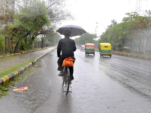 Monsoon has weakened in Bihar, with the Met department on Sunday predicting very little chance of rainfall in the next 5-6 days.