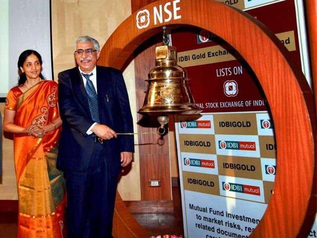 IDBI chairman RM Malla ringing the NSE bell.