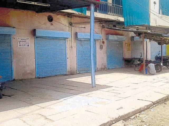 Shops closed down in Baran town after a bandh call by the Congress on Monday.