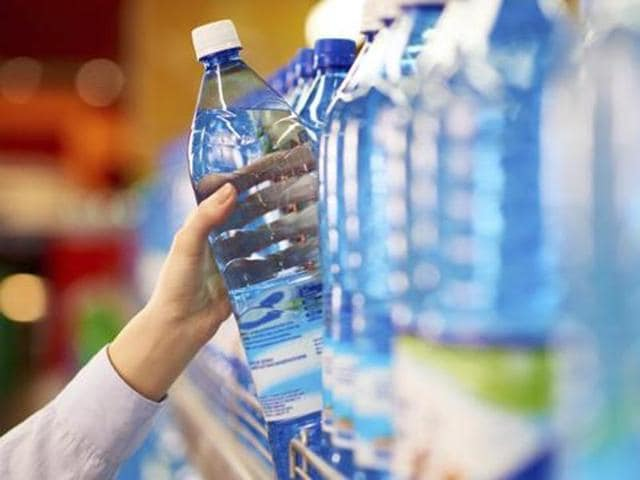 Out of the 6,000 packaged drinking water bottling units in India, over 4,300 are operating without proper licences.(File Photo)