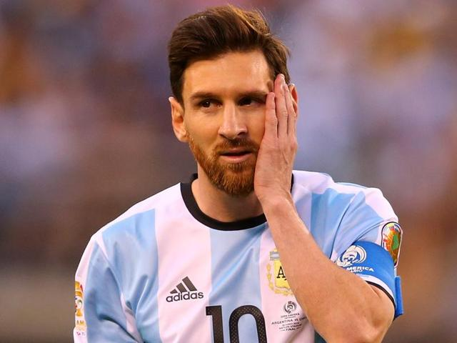 Lionel Messi looks on before the match-winning penalty is scored during the Copa America Centenario final.
