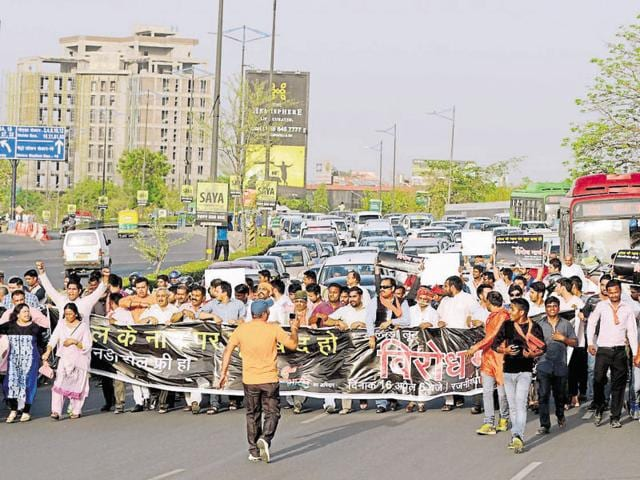 Five protests by various residents' associations against the toll on the DND Flyway have taken place since April 11, 2015.