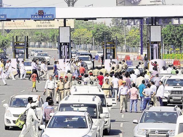 Rama Raman,Noida Toll Bridge Company Limited,CAG audit