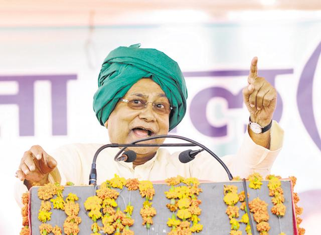 Bihar chief minister Nitish Kumar addresses a rally in Jewar on Wednesday. He hit out against the central and state governments for not imposing a complete ban on liquor.