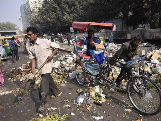New Delhi: Currently, the municipal sanitation inspectors issue challans and notices, which are payable and heard at special municipal courts.