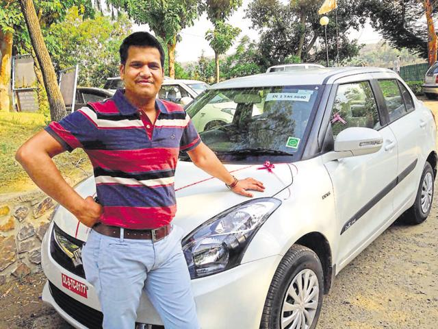 The car was stolen from the parking lot of Lotus Pond apartments in Vaibhav Khand, Indirapuram.(HT Photo)