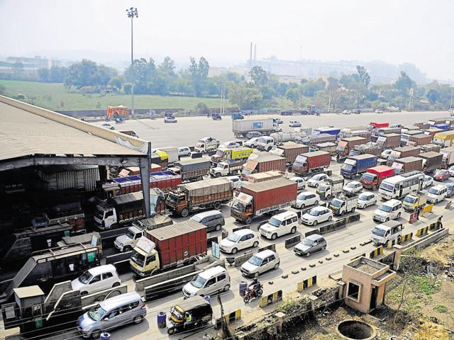 A large number of farmers who bring flowers and vegetables to Gurgaon and Delhi markets are badly affected by the jams, the protesters said.
