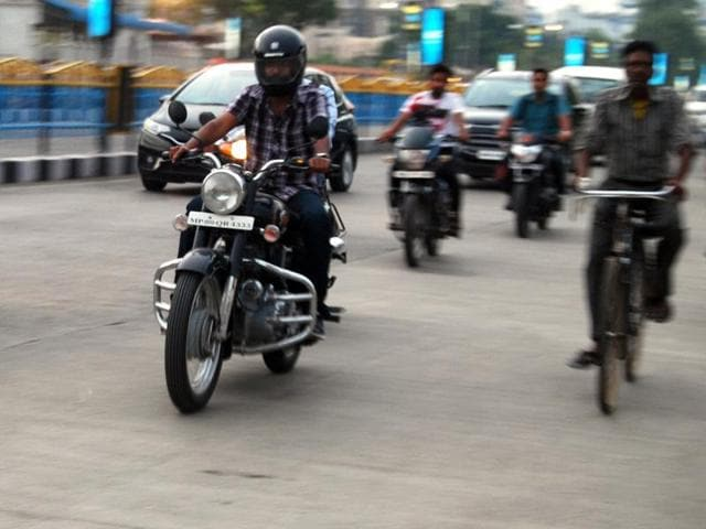 A Bullet rider in Indore on Wednesday.(Arun Mondhe/HT photo)