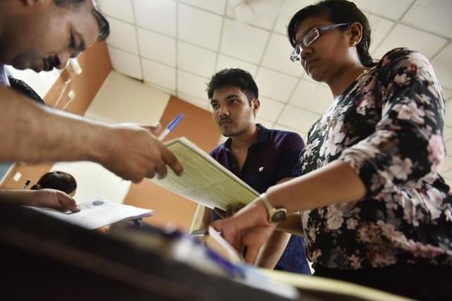 New online process turns into obstacle course on first day of admissions in DU