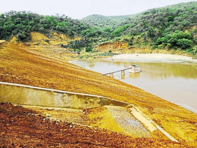 Experts say that Aravallis have the potential to absorb one-third of the rainfall that it receives every year. Rainwater structures are built for storing water flowing from sloped landscapes.