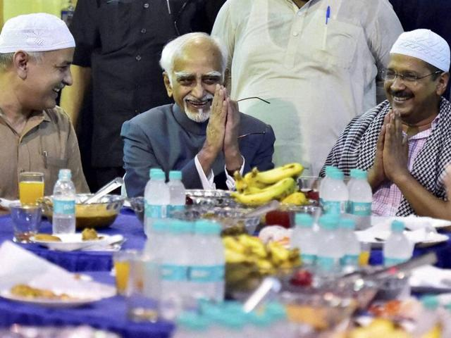 Vice-president Hamid Ansari with Delhi chief minister Arvind Kejriwal and deputy CM Manish Sisodia at an Iftar party hosted by Delhi CM in New Delhi on Thursday.
