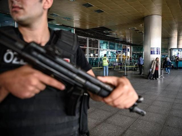 Istanbul airport attack,13 suspects arrested in Istanbul,Islamic State