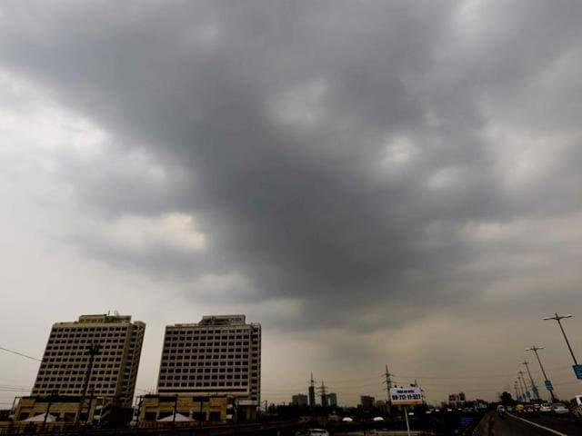 new Delhi, India 30 June 2016: Pre Monsoon clouds hover over the capital skyline in New Delhi, india on Thursday 30 june 2016. Photo by Mohd Zakir Hindustan Times