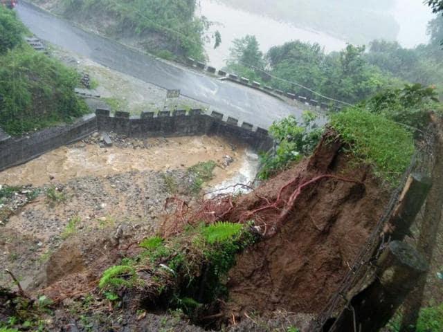 Ten people were killed by a landslide triggered by torrential rain in the West Kameng district of Arunachal Pradesh.