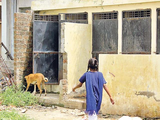 Rajasthan,open defecation,Naval officer