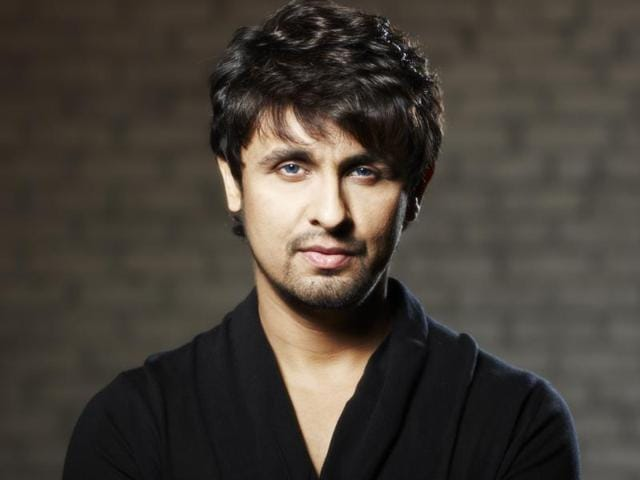 Sonu Nigam is against singing songs with cheap lyrics. He refused AR Rahman for that about seven years ago.