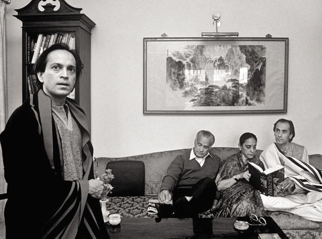 Vikram Seth with his parents and brother, Shantum.