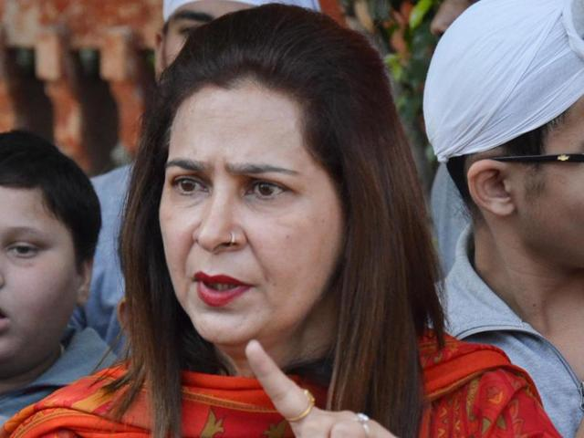 BJP echoes SAD, but Sidhu says drugs ferried in red-beacon cars