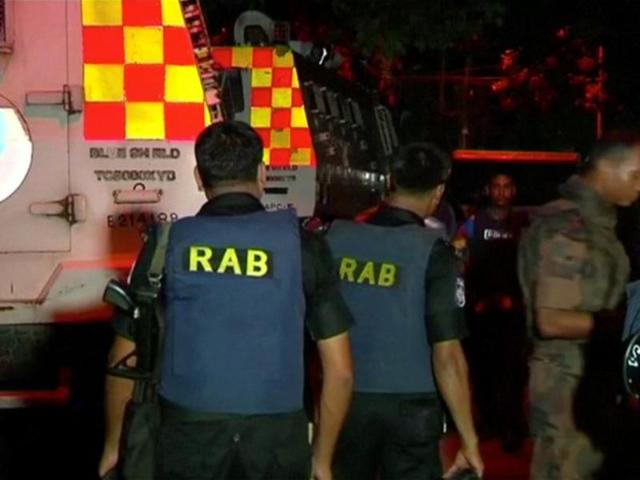 Dhaka cops storm restaurant after IS-claimed attack, up to 10 hostages rescued
