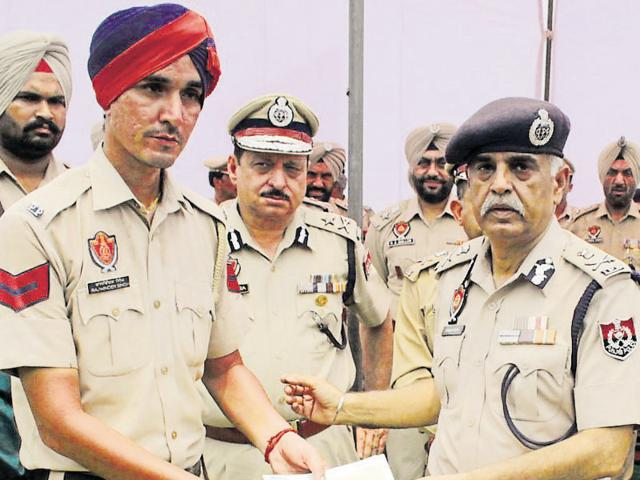 DGP Suresh Arora promises to start IAS, IPS coaching academy for cops' kids